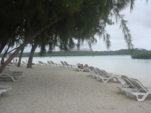 沙滩椅后来说要收费,还不如回酒店的沙滩晒